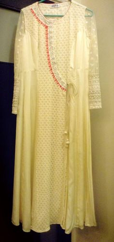 Fruh India Fashion, Suit Fashion, Ethnic Fashion, Fashion Outfits, Heavy Dresses, Simple Dresses, Kurta Designs, Blouse Designs, Dress Designs