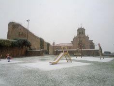 Ermita del Mirón #Soria #nieve #castillayleon #cyl #spain #columpios