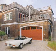 Hamptons Cottages & Gardens via Habitually Chic®