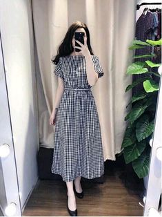 Swans Style is the top online fashion store for women. Shop sexy club dresses, jeans, shoes, bodysuits, skirts and more. Stylish Dresses, Modest Dresses, Modest Outfits, Simple Dresses, Cute Dresses, Vintage Dresses, Dress Outfits, Casual Dresses, Frock Fashion