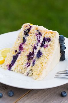 Lemon Blueberry Cake with Cream Cheese Frosting - Im in love with this summery cake!!