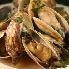 "Clams And Garlic Recipe - To be LEAP friendly for the first 4 weeks, you'll have to substitute a ""safe for you"" broth or maybe a 1/4 c white grape juice for white wine. (Alcohol increases gut permiability.) Clams, oil, garlic, butter, parsley, (broth instead of white wine)."