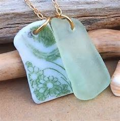 sea glass/pottery necklace I love digging a new garden and finding old pottery shards! It's as exciting as finding sea glass! Sea Glass Beach, Sea Glass Art, Beach Stones, Sand Beach, Stained Glass, Sea Glass Crafts, Shell Crafts, Sea Glass Necklace, Sea Glass Jewelry