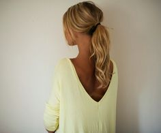 Slouchy v-neck back sweater and hair