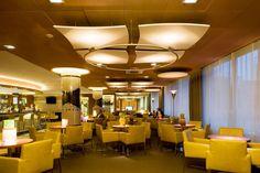 Hotel Volga, Hiszpania, Armstrong Sufity Podwieszane, ceiling, sufit akustyczny, acoustic, Optima Canopy