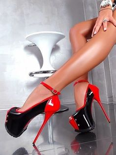 Diese Party Stiefel passen auch ins Büro! Hypes & Likes