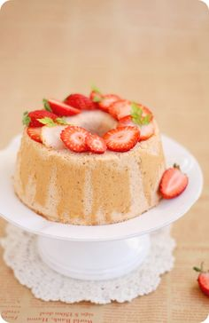 strawberry chiffon cake