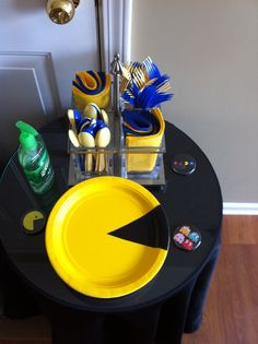 DYI Character Plates Yellow Cut Black And Attach To Create Pacmans Man Birthday6th