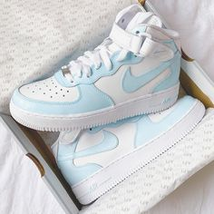 Dr Shoes, Cute Nike Shoes, Swag Shoes, Cute Nikes, Hype Shoes, Moda Sneakers, Cute Sneakers, Sneakers Women, Sneakers Nike