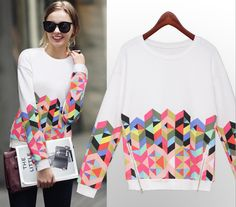 Look classic and hip in this geometric print sweat shirt. Definitely something you'd see your girl T Swift rocking on the streets of NYC. Pair this long sleeved sweater shirt with your fave leggings and a clutch!