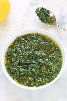 Chermoula (Moroccan sauce and marinade recipe) - cuisine salée - Raw Food Recipes Tapenade, Raw Food Recipes, Cooking Recipes, Healthy Recipes, Marinade Sauce, Weird Food, Batch Cooking, Chutney, Pesto