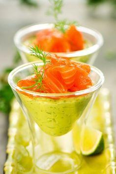 Verrines saumon fumé et crème d'avocat : une recette de entrées facile et gourmande.