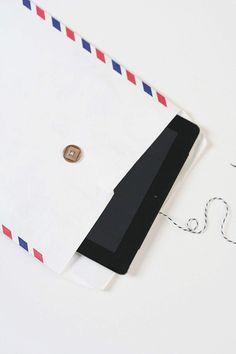 Airmail tablet case | Frock Files for You Are My Fave.