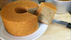 "If you like your banana cake very fluffy AND very ""banana-y"", you must try KT's version. Other recipes are fluffy OR banana-y, not both. Bakery Recipes, Easy Cake Recipes, Banana Chiffon Cake Recipe, Orange Chiffon Cake, Food Cakes, Cupcake Cakes, Cupcakes, Cake Recipe Martha Stewart, Cotton Cake"