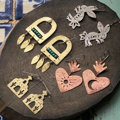 💕🌿 🌞Mexican Folk Art Jewelry and vintage home decor 🌶 by AdrianaSoto Funky Jewelry, Cheap Jewelry, Copper Jewelry, Jewelry Art, Gemstone Jewelry, Diy Jewelry Inspiration, Art Necklaces, Handmade Accessories, Polymer Clay Jewelry