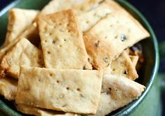 Explore the taste of Crispy Namak Pare( Salted Crackers) Recipe. This snack is crispy, tasty, and crunchy. North Indian Recipes, Indian Food Recipes, Ethnic Recipes, Diwali Snacks, Tea Time Snacks, Recipe Ratings, Cooking Time, Crackers, Fries