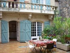 Price: EUR 178,200. For Sale in Agde, Languedoc Roussillon. Comfortable town house, located in the heart of the town within walking distance of all the shops, offering 98 m² of living space including 3 bedrooms, living room, kitchen, garage and large terrace.