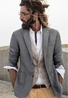Perfect blend of tatters and sharp dressed man Sharp Dressed Man, Well Dressed, Bohemian Outfit Men, Men Boho, Bohemian Mens Fashion, Trendy Fashion, Boho Style Men, Indie Fashion Men, Fashion Clothes