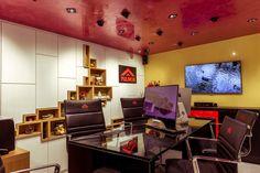 Mobiles, Showroom, Desk, Modern, Furniture, Home Decor, Desktop, Trendy Tree, Decoration Home