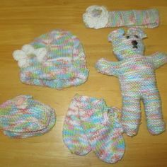 Keelan - Chunky Strap Baby Shoes Knitting pattern by Julie Taylor Baby Hat Knitting Pattern, Baby Hats Knitting, Arm Knitting, Double Knitting, Knitted Hats, Julie Taylor, Christmas Knitting Patterns, Knit Patterns, Universal Yarn