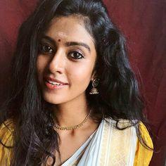 Most Beautiful Indian Actress, Cute Faces, Beautiful Saree, Indian Actresses, Desi, Traditional, Celebrities, Beauty, Fashion