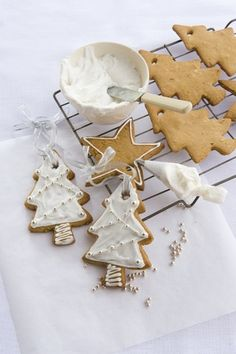 spice cookies for Christmas Xmas Food, Christmas Sweets, Christmas Kitchen, Christmas Cooking, Noel Christmas, Christmas Goodies, Winter Christmas, Spice Cookies, Tree Cookies