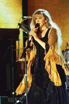"""""""Gold Dust Woman"""" during 'Sheryl Crow & Friends Concert at Central Park', September 14, 1999."""