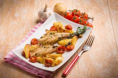 Coda di rospo con patate, secondo piatto di pesce Coca Light, Nutrition, Fish And Chips, Mets, Chicken, Tableware, Ethnic Recipes, Kitchen, Food