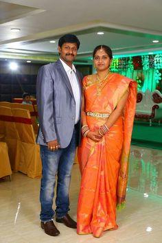Indian Jewellery Design, Indian Jewelry, Jewelry Design, Wedding Photoshoot, Muscle, Beautiful Women, Sari, Couples, Cute