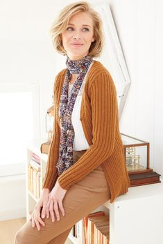 This ribbed ladies' knitting pattern cardigan is the perfect project to start on a quiet afternoon. A timeless classic you'll be able to dig out of your cupb. Ladies Cardigan Knitting Patterns, Cardigan Pattern, Knitting Patterns Free, Womans Weekly, Knitting Supplies, Ribbed Cardigan, Knitting For Beginners, Knitting Designs, Cardigans For Women