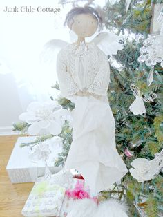 Junk Chic Cottage Christmas 2015, Christmas Angels, Vintage Christmas, Holiday, Christmas Ideas, Junk Chic Cottage, Dream Studio, Shabby Vintage, Wings