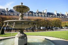 This is a place you has to visit when in Paris. Situated in the heart of the picturesque Marais district, where the third and fourth arrondissements meet, Place des Vosges is one of the oldest and most beautiful squares in Paris and has been a listed historic monument since 1954.