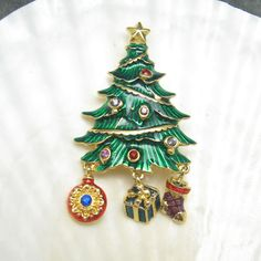 Vintage Christmas Tree Brooch Charms P4690 by HoliDaisy on Etsy, $28.00  #vjse2 #vintage #jewelry #boebot2
