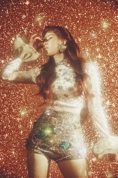 Girls' Generation member Seohyun is preparing for her solo debut with the release of individual teaser images. Seohyun's first mini album will be titled Don't Say No. Seo Ju Hyun, known professionally as Seohyun, is a South Korean singer and actress. 70s Aesthetic, Aesthetic Vintage, Aesthetic Fashion, Aesthetic Pastel, Glam Rock, Glitter Photography, Fashion Photography, Photography Outfits, Photography Ideas