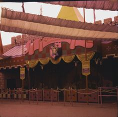 Here you will find a collection of photographs, videos, and other random things related to Vintage Disney Parks! We try to have everything sourced, so please leave it that way! Disney Fun, Disney Parks, Walt Disney World, Disney Theme, Vintage Disneyland, Disneyland Park, Snow White Images, Disney Magic Kingdom, Classic Cartoons