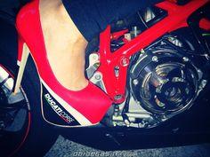 Ducati Corse High Heels, http://www.daidegasforum.com/forum/foto-video/591385-scarpe-col-tacco-ducati.html