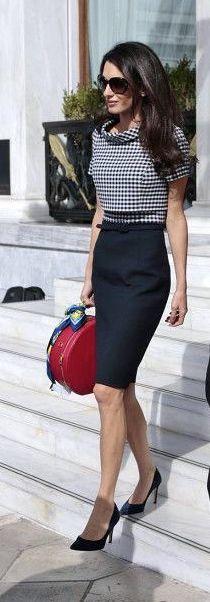 Amal Clooney, cuando ví este bolso no paré hasta encontrarlo para mi tienda... y sólo me queda uno. Acerté!!!