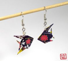 Anne Comparetti on Etsy Origami And Quilling, Paper Crafts Origami, Origami Flowers, Origami Jewelry, Paper Jewelry, Earrings Handmade, Handmade Jewelry, Diy And Crafts, Arts And Crafts