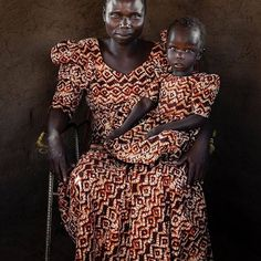 Afrodyssée (@afrodyssee) • Instagram photos and videos Understanding People, Pale Blue Dot, African Tribes, Mother And Child, Beautiful Moments, National Geographic, Uganda, Family Photography, Statue