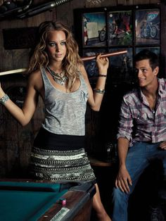 what to wear on a first date playing pool