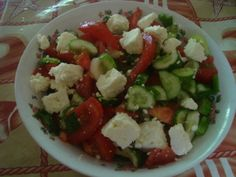 The perfect dinner in the summer time! Caprese Salad, Cobb Salad, Simple Recipes, Healthy Recipes, Summer Time, Food To Make, Easy Meals, Dinner, Cooking