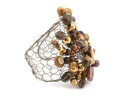 Brazalete de perlas de rio, cristal y metal Taima