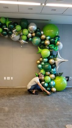 DreamARK created this unique balloon arch for holiday corporate event in Miami South Florida. We have many ideas and designs for all kinds of events. Hawaiian Party Decorations, Birthday Balloon Decorations, Balloon Centerpieces, Birthday Balloons, Baby Shower Decorations, Green Party Decorations, Jungle Balloons, Dinosaur Balloons, Baby Shower Balloons