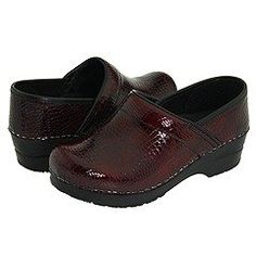 $114.00-$140.00 Sanita Bordeaux Croc Leather Clogs Closed Womens Sz 38 - Danish-designed with more than 100 years of handcraftsmanship, this Original collection is built upon the clog heritage intended to support today's technology and structure. In this SS12 collection, we re-introduce Sanita's water resistant oiled uppers and cleanable materials, which provide suitable yet innovative styles for  ...
