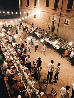Long imperial table decorated with olive leaf #olivedecoration #oliverunner #Bryllupsplannegger #wedding #imperialtable #longtable #forestwedding#bryllup#weddingitaly#destinationwedding #countrychicwedding#weddingtable#weddingdecoration #bohochicwedding#summerwedding #weddingligths #bryllupsbord #weddingparty #bryllupiitalia #blomster #bryllupsinspirasjon #bryllupsdag #bryllupsfoto #bryllupsfest Forest Wedding, Tuscany, Destination Wedding, Dolores Park, Wedding Decorations, Weddings, Elegant, Wedding Dresses, Table