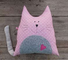 coussin chat faisant la sieste Sleeping Stuffed Cat Pillows Toy (Inspiration, No Pattern, No Tutorial) Sewing Toys, Baby Sewing, Sewing Crafts, Sewing Projects, Diy Projects, Baby Pillows, Kids Pillows, Animal Pillows, Throw Pillows