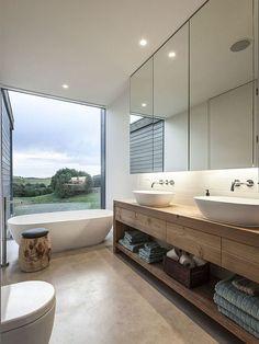Baño doble de estilo rústico y con vistas al campo