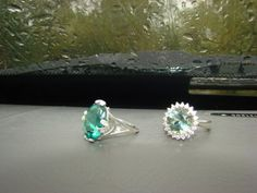"""natalyaavto: - У любви глаза зеленые....Кольца """"Виктория"""" (зеленый кварц) и """"Луна (зеленый аметист). Луну и Викторию ношу одновременно, оба кольца прекрасны, оттенки камней холодные, прекрасно сочетаются. А в комплект к любым украшениям у меня всегда найдутся аксессуары)) Теперь фото >> http://oringo.com.ua/forum/u-lyubvi-glaza-zelenyekolca-viktoriya-s-zelenym-kvarcemluna-s-zelenym-ametistom"""