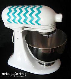 I want to do something like this ot my Kitchenaid! ~DIY KitchenAid Decal.