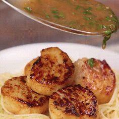 Scallops with lemon basil sauce😍😍😍 (Get your cooking set here https://www.amazon.com/dp/B06XMZK94D) https://giphy.com/g…/sauce-scallops-lemonbasil-JILGYXhJ21Tos